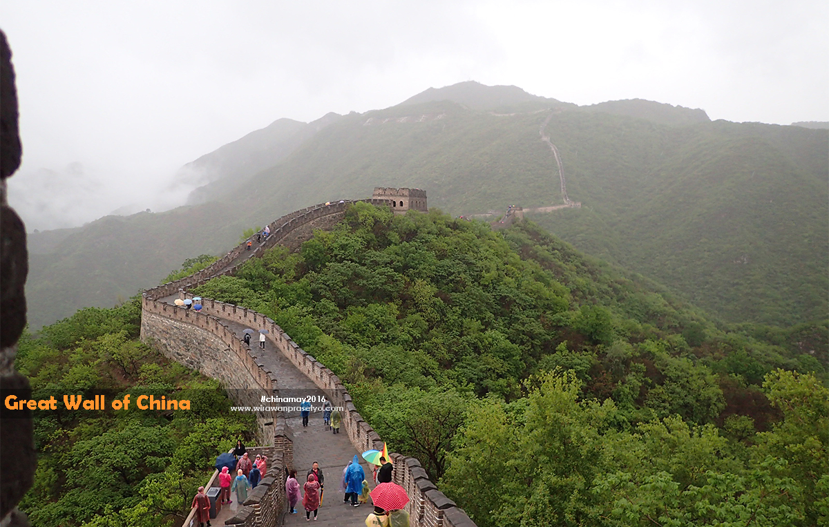 Sepihnya di Mutianyu Tembok China ,,,, cerita kami disana ( bagian 2 )